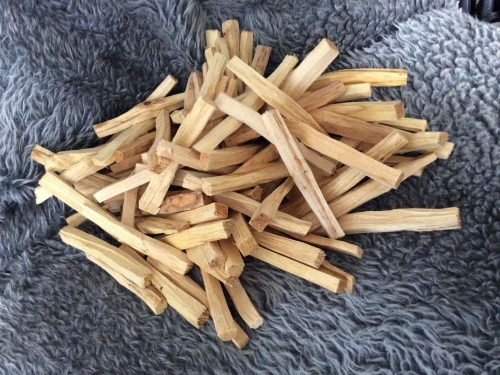Palo Santo Holy Wood Smudge Sticks in a pack of 5